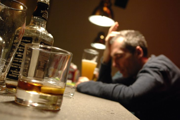Come Aiutare un Fratello Alcolista