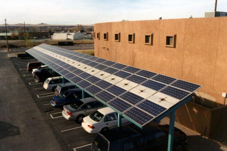 tettoie per auto con pannelli solari