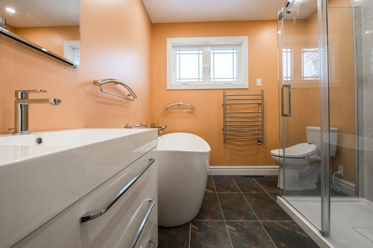 vasca da bagno o doccia